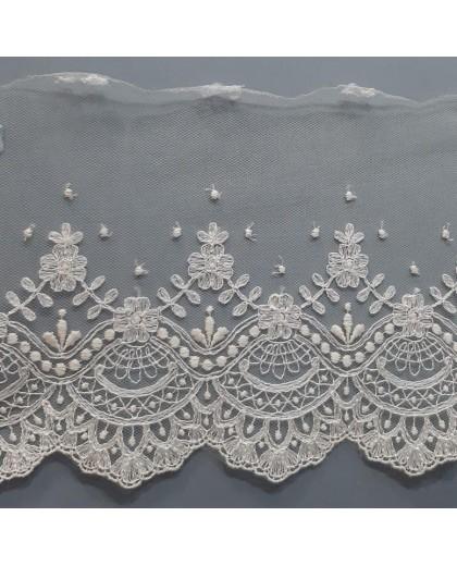 Encaje tul bordado beige especial trajes de novias, ceremonias y complementos decorativos con un diseño fino y elegante
