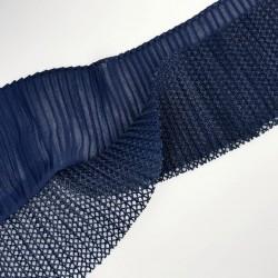 Volante plisado azul marino de 9 cms con doble capa. Ideal para decorar o dar longitud y volumen a tus prendas y complementos.