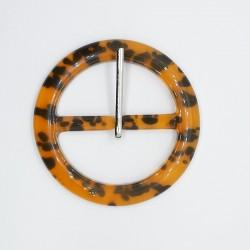 Hebilla redonda jaspeada 4,5 cms de color carey especial para cinturones con un diseño chic y distinguido