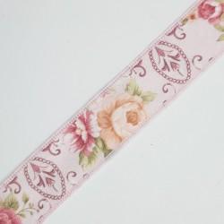 Cinta con estampado floral y tonos rosa y 2,5 cms, ideal ribetes, remates, acabados, complemento en prendas y menajes del hoga