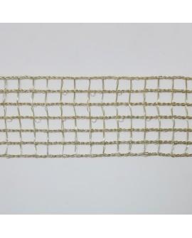 Cinta metalizada calada de cuadrados con brillo decorativa especial para decorar tus prendas y complementos de color oro