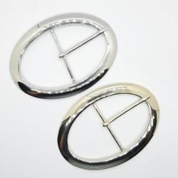 Hebilla ovalada metálica 10 x 7 cms de color oro o níquel con un diseño chic brillante para tus prendas y complementos