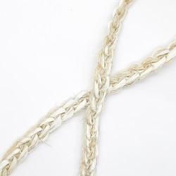Trenza cruzada pasamanería lino rústica 8 mm. Adorno para decorar tus prendas y complementos de una forma original.