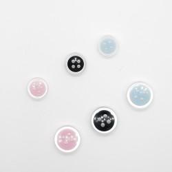Botón nacarado 4 agujeros. Varios colores a elegir. Accesorio clásico y a la vez sencillo. Ideal para prendas de vestir y comple