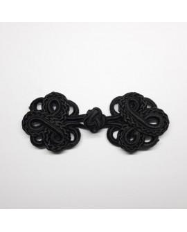 Broche alamar negro. Cierre decorativo de diseño fino y elegante, para tus prendas y complementos.