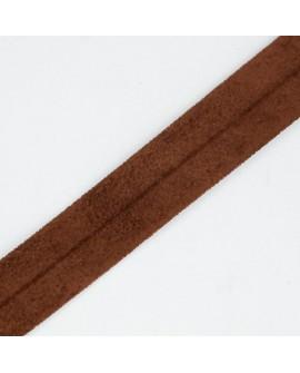 Cinta bies antelina de color marrón de 3 cms. Resisten y maleable, especial para remates y acabados en prendas y complementos.