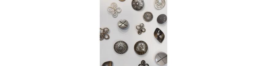 Botones metálicos