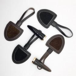 Chamaco cierre impiel marrón y negro con visón decorativo. Ideal para trencas, chaquetas y accesorios como bolsos y bufanda