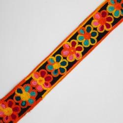 Galón de flores multicolor de 3 cms decorativo. Ideal para remate y acabados, cinta fuerte para patchhwork y tapicería