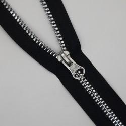 Cremallera negra separador inyectada. Efecto metalizado plata con brillo. Ideal para chaquetas, abrigos y cazadoras.