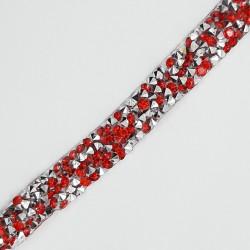 Tira tupis rocalla termoadhesiva 1 cms cinta brillante con pinchos moderna ideal para tocados, puños, cuellos,...color rojo