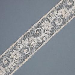 Encaje entredos tul bordado beige 2,5 cms