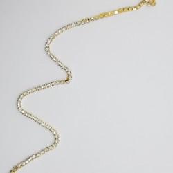 Pasamanería dorada. Cadena de piedras strass de 8 mm. Adorno ideal para prendas y complementos, tanto de fiesta como casual.