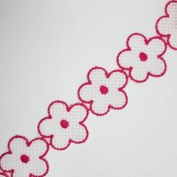 Galón flores margaritas blancas filo fucsia decorativo