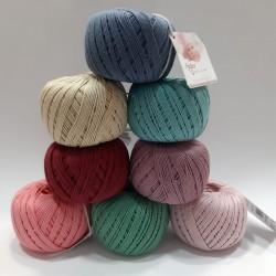 Ovillo Anchor 100% algodón. Hilo perlé de color mate. Especial para prendas delicadas de bebe.