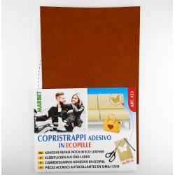 Cubre desgarros adhesivos en piel de color camel para prendas y accesorios.