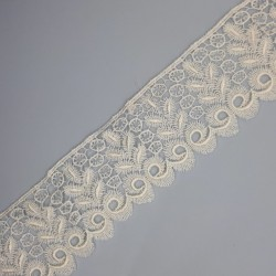 Encaje guipur blanco de 5 cms.
