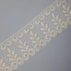Encaje guipur blanco de 6 cms. Diseño fino y elegante. Ideal para dar volumen y elegancia a tus prendas y complementos.
