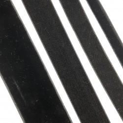 Cinta de terciopelo negra suave y elegante. Cinta ideal para dar volumen o embellecer tus prendas y complementos.
