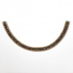 Cuello termoadhesivo con piedras de cristal decorativo