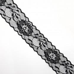 Entredos de nylon de color negro de 4 cms con flores decorativas. Encaje especial para remates y acabados.