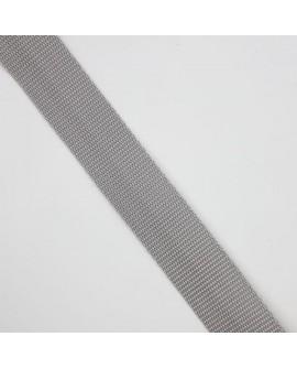 Cinta poliéster de color gris. Especial para mochilas, de material resistente y duradero.